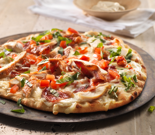 Roasted Chicken, Bacon & Tomato Alfredo Pizza